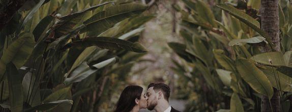 Simple Live Streaming Wedding Photo & Cinematic Film