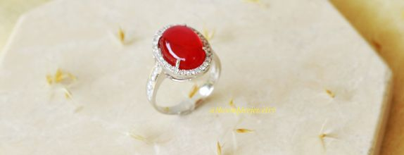 Red rubby diamond ring