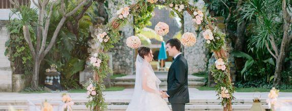 Classical Romantic Wedding of Sudamala Resorts (Bali)