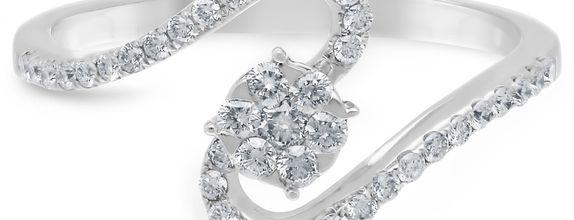 Diamond Ladies Ring CWF0842