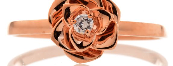 TIARIA Resplendant Rose Diamond Engagement Ring Cincin Tunangan