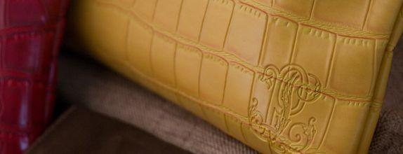 one zipper wallet