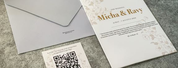 Micha & Ravy - Single Hardcover Wedding Invitation