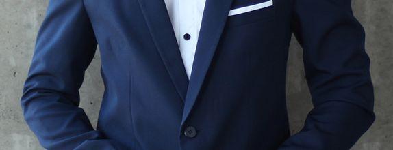 Sounds Husky Suit & Shirt Combo