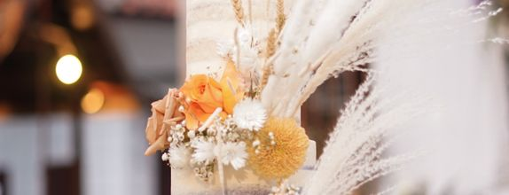 Lareia Cake & Co - Wedding Cake 5 Tier B