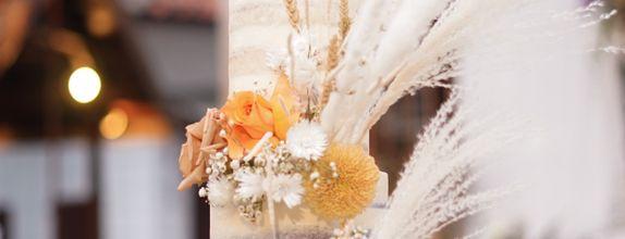Lareia Cake & Co - Wedding Cake 3 Tier B