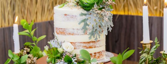 Lareia Cake & Co - Engagement Cake 2 Tier C