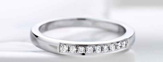 TIARIA Princess Nine Diamond Engagement Ring Cincin Tunangan Berlian