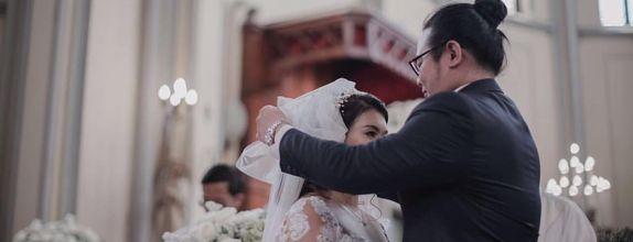 Holy Matrimony / Akad