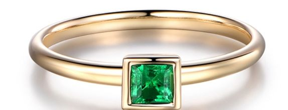 TIARIA Glittering Emerald Engagement Ring Cincin Tunangan Emerald