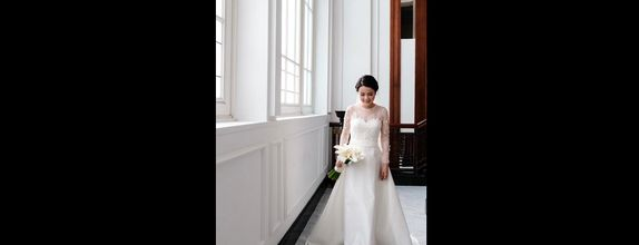 Intimate Wedding gown - Custom rent