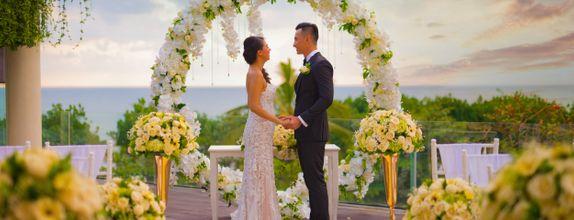 SUNSET INTIMATE WEDDING