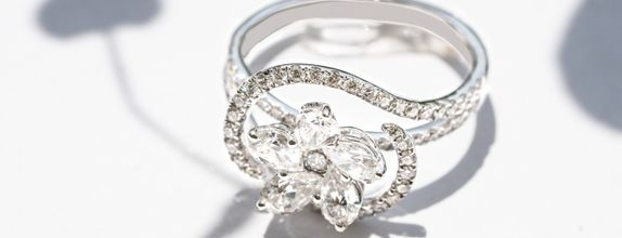 OPHELIA DIAMOND RING