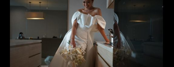 Custom rent wedding gown