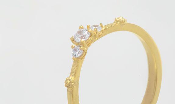 Reine Ring - 18K Gold