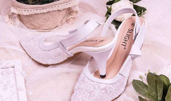 Sepatu Slingback Lacie Putih