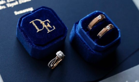 Octagon Double (with Personalization) Velvet Ring Box