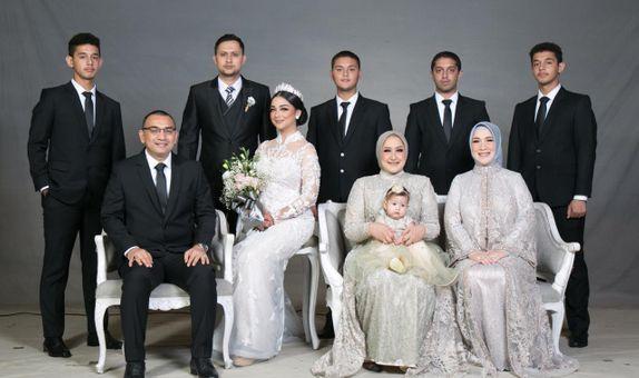 FAMILY SUIT