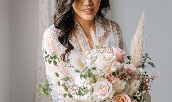 Custom bespoke bridal bouquet