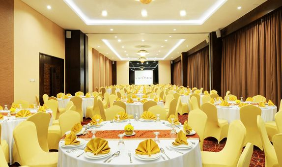 CRYSTAL WEDDING PACKAGE ALL IN FOR 100 - 350 PAX