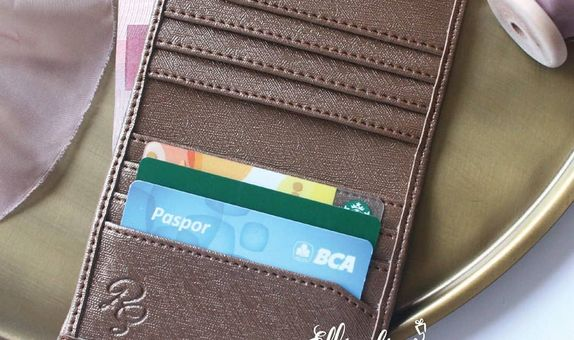 Card Wallet with Money Slot