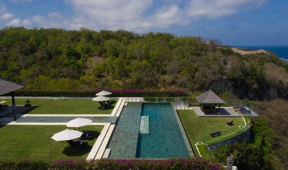 Villa Surga One - Clifftop Villa Package (51-100pax)