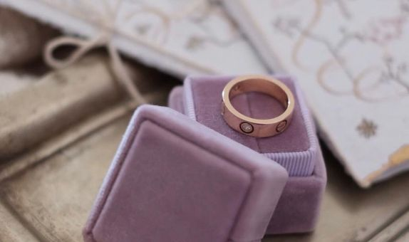 Square Single (without Personalization) Velvet Ring Box