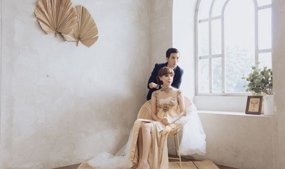 Light Couple/Pre-wedding session