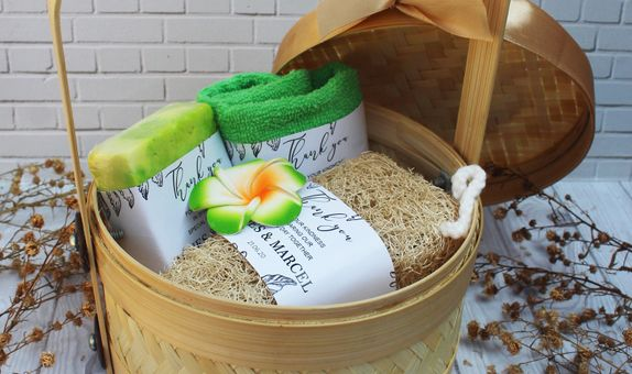 Hampers for Exclusive Souvenir Wedding