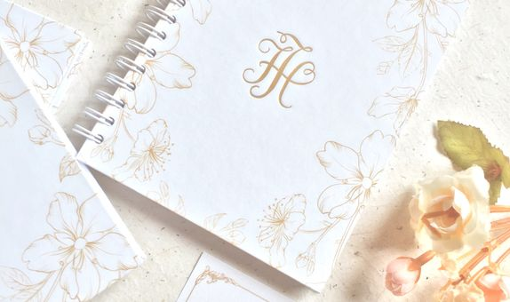 White & gold theme - Notebook Hardcover Ring