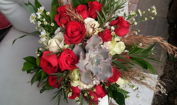 Wedding bouquet red rose