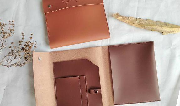 Souvenir pernikahan clutch organizer book kulit imitasi premium