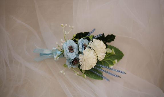 wedding boutonniere & corsage / bunga jas pernikahan / bros jas