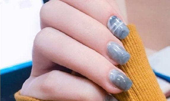 nail art - 24 pcs kuku palsu dengan tema abu marmer yang elegan