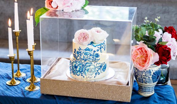 Lareia Cake & Co - Engagement Cake 2 Tier B