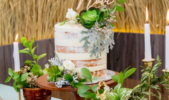Lareia Cake & Co - Engagement Cake 1 Tier (15x15)
