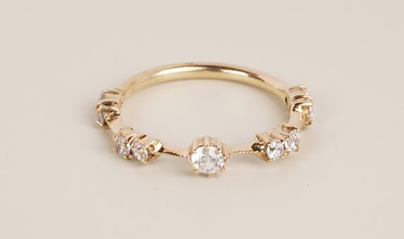 Lorra Ring