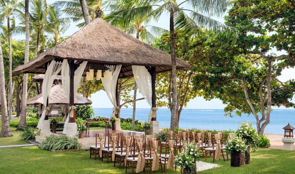 The Laguna Resort & Spa Bali - Iconic Romance Package