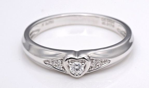 TIARIA Diamond Cupid's Heart Engagement Ring CIncin Tunangan Berlian