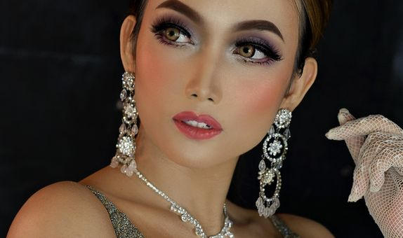 Glam Night Make-Up Looks for Night Reception