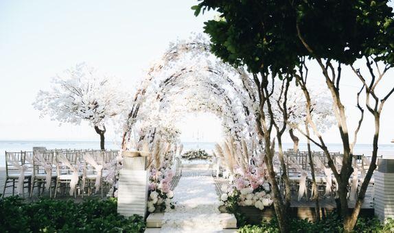 The Royal Santrian Luxury Beach Villa - Prestigious Package