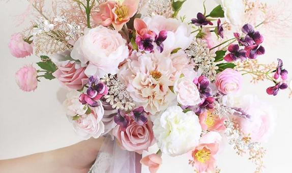 JOLIE MEDIUM PACKAGE ( Hand bouquet, boutonnieres, ring bearer )