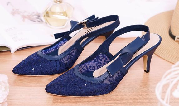 Sepatu Slingback Lacie Navy
