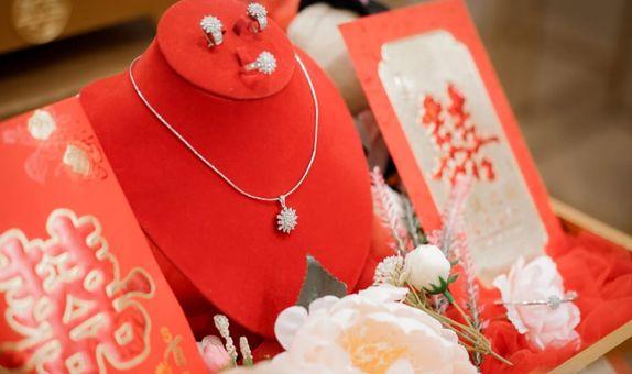 Display Perhiasan & Cover Wine