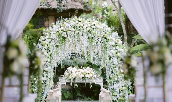 FLOATING WEDDING