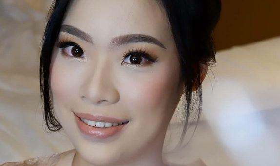 Bridesmaid Makeup & Hairdo