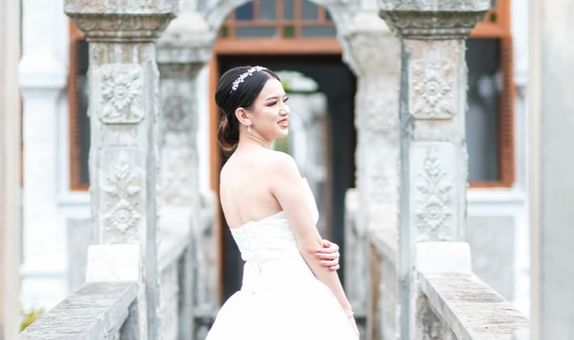 The Bride + Retouch