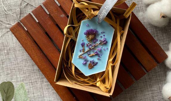 Hexagonal Soy Wax Aromatherapy with Dried Flower