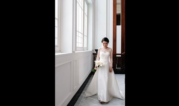 Intimate Wedding gown - Custom rent 1 look semi lace