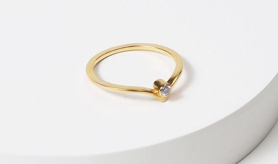 surosmith v diamond dainty engagement ring